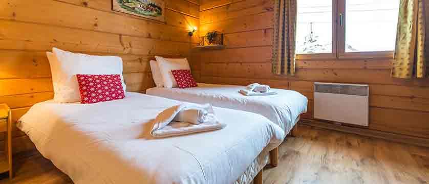 Chalet Les Arolles bedroom